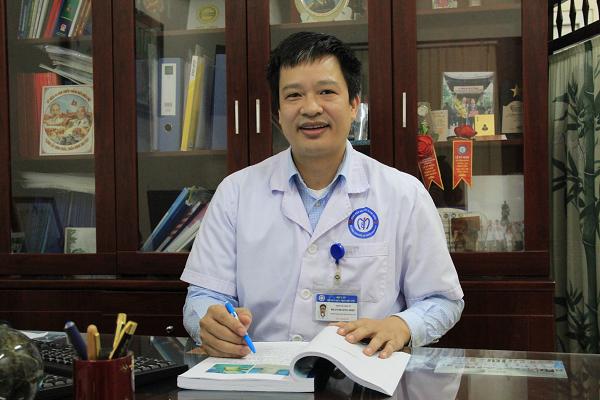ThS.BS Phan Hoàng Hiệp, người nghiên cứu ra phương pháp nội soi một lỗ