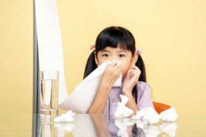 Viêm mũi dị ứng là căn bệnh rất dễ gặpkhi độ ẩm trong không khí cao.