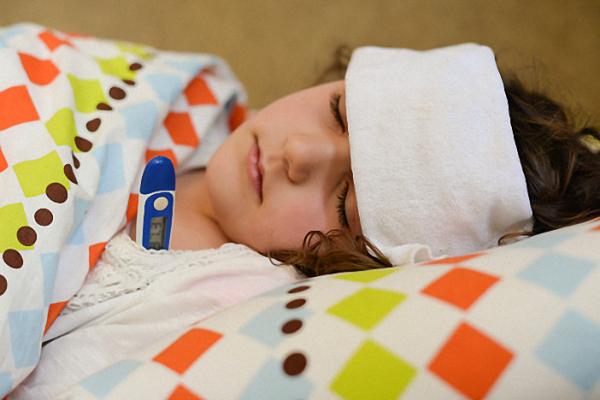 sốt co giật ở trẻ