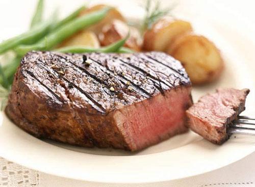 Thịt bì tái: Nguy cơ nhiễm sán cao.