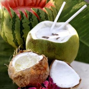Nước dừa làm dịu hệ tiêu hóa nói chung