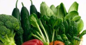Rau xanh chữa loét miệng và ngăn ngừa loét miệng tái phát
