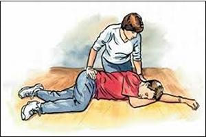 Sơ cứu người bị tai nạn.