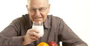 Chế độ dinh dưỡng cho bệnh nhân đột quỵ não cần đầy đủ calo, dễ tiêu ( Ảnh: Internet)