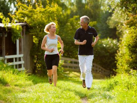 Chạy bộ với tốc độ tăng dần tốt cho người bệnh cao huyết áp