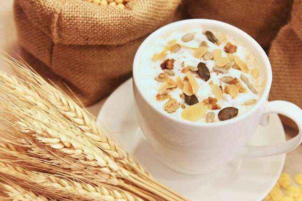 Người tiểu đường nên ăn ngũ cốc kết hợp sữa chua thay vì sữa tươi
