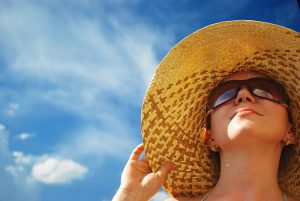 Bảo vệ làn da dưới trời nắng gắt 1