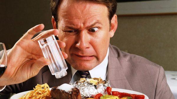 người cao huyết áp không nên ăn gì
