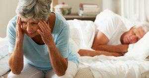 Mất ngủ làm ảnh hưởng đến sức khỏe của người già