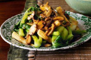 Nấm xào cải xanh bắp non