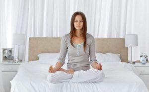 Yoga - hình thức tập thể thao trong nhà rất tốt