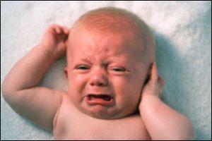Viêm tai giữa khiến trẻ khó chịu