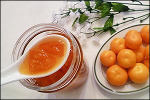 bé 10 tháng tuổi có nên dùng quất ngâm với mật ong không?