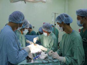 Sự phối hợp nhịp nhàng của các bác sĩ liên khoa gây mê, hồi sức, sản, sơ sinh đã cứu sống mẹ con sản phụ
