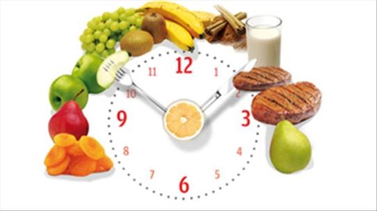 Ăn uống điều độ, đúng giờ để phòng tránh viêm loét dạ dày
