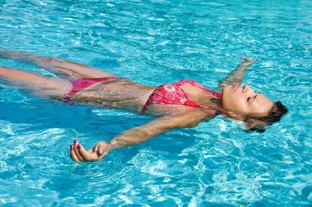 Cách xử lý chuột rút khi bơi