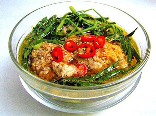 Canh cua rau nhút là món ăn chữa tiểu buốt, tiểu rắt rất hiệu quả