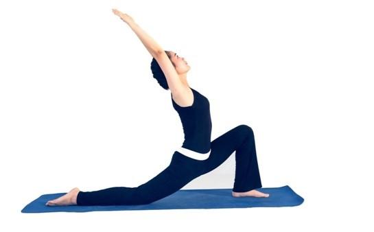 Tư thế chào mặt trời - Bài tập thể dục cho người loãng xương