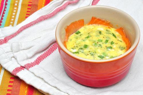 Cách trị ho bằng món trứng vịt hấp lá hẹ đường phèn