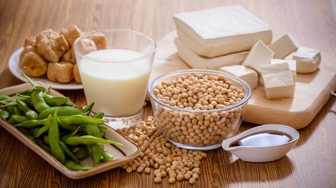 Đậu nành - thực phẩm giàu canxi (Ảnh internet)