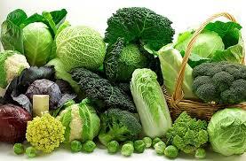 Rau xanh - thực phẩm giàu canxi (Ảnh internet)