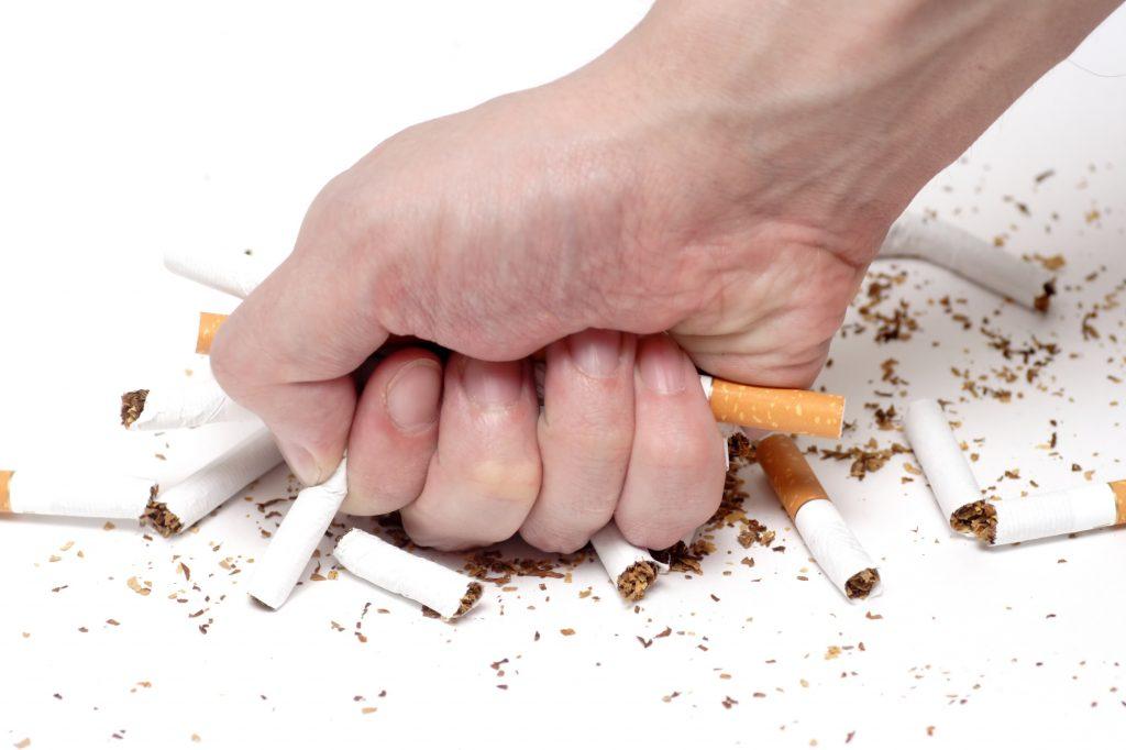 Nói không với hút thuốc lá.