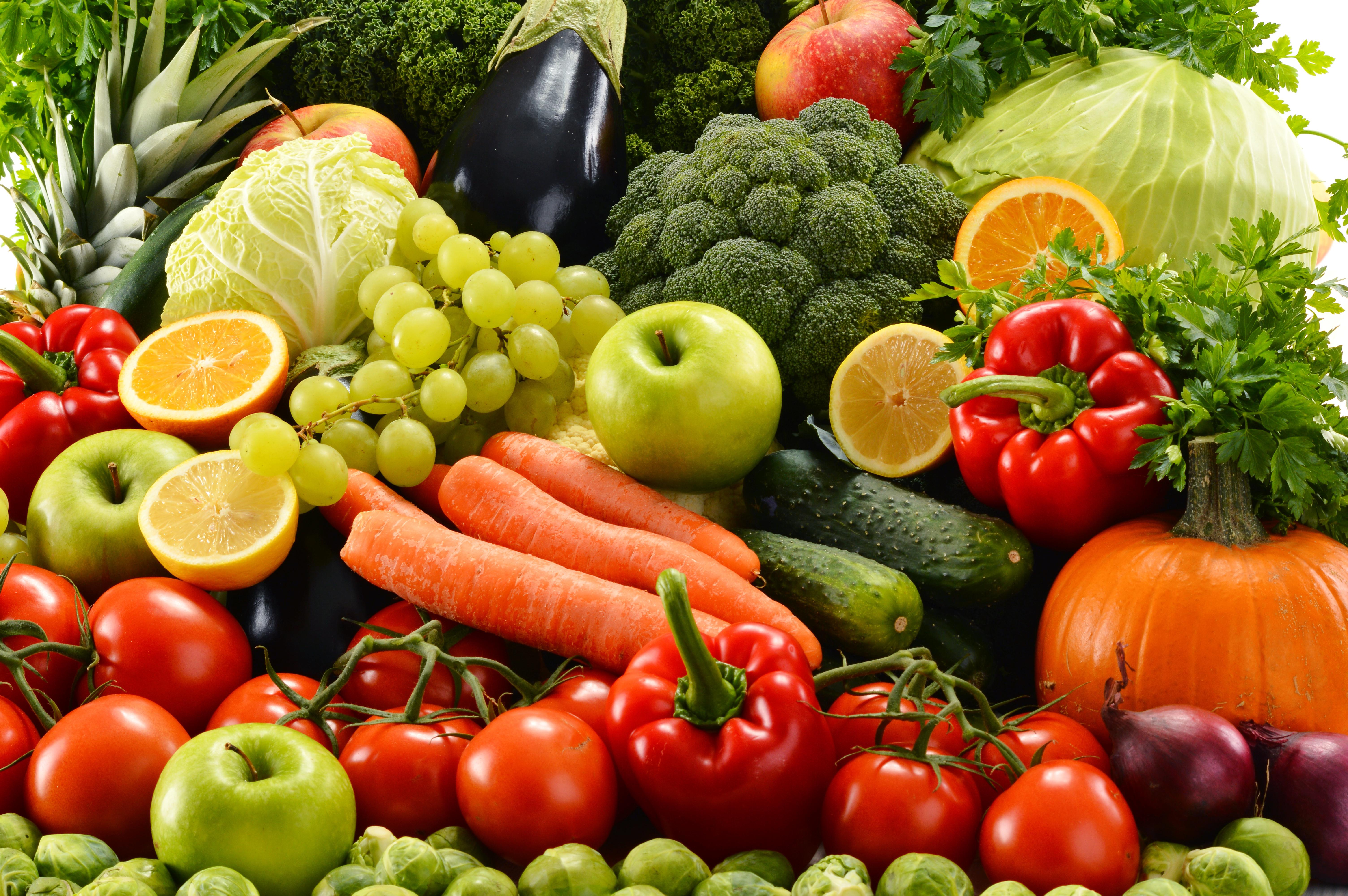 Người bệnh lupus nên ăn nhiều rau xanh và hoa quả