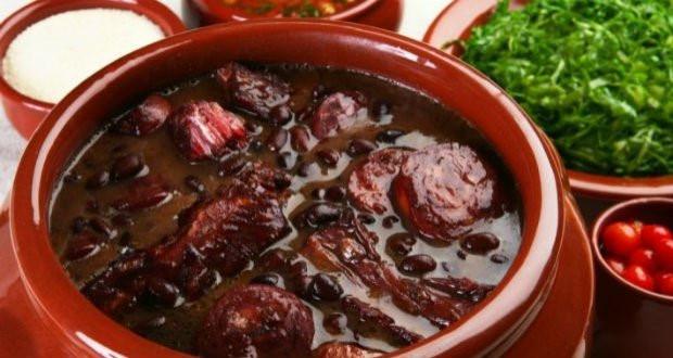 Cháo gà ác đậu đen - món ăn từ đậu đen