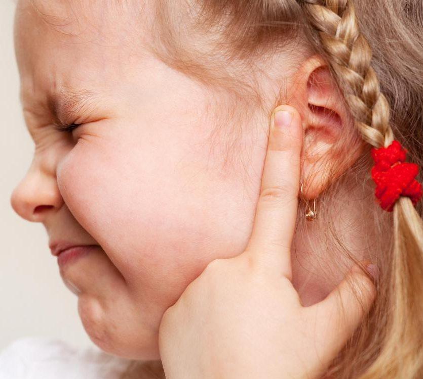 Bệnh viêm tai giữa không lây nhiễm.