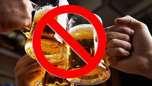 Người thiếu máu không nên uống rượu bia