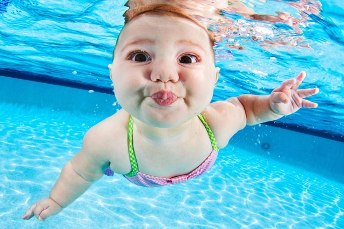 Không nên cho trẻ đi bơi trong thời gian bị bệnh