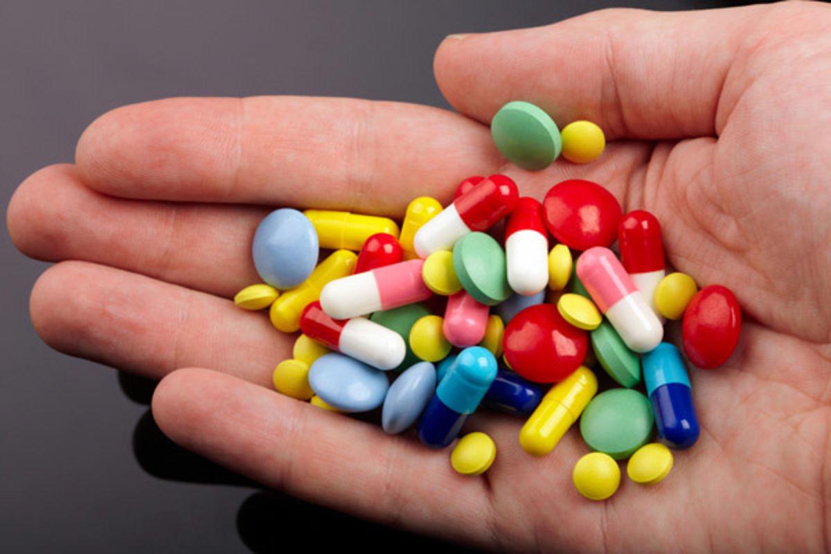 Người cao tuổi thường dùng nhiều loại thuốc cùng lúc