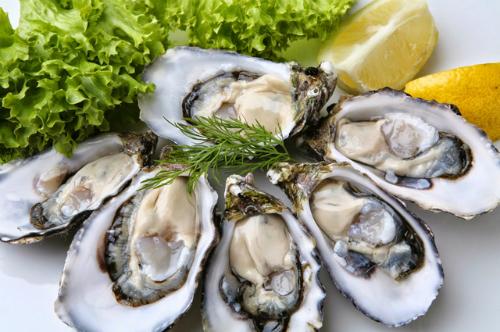 Nam giới mắc bệnh yếu sinh lý thì nên tăng cường bổ sung các loại hải sản trong chế độ ăn của mình