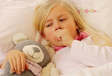 Ho ở trẻ là phản xạ giúp cơ thể tống các chất lạ ra bên ngoài