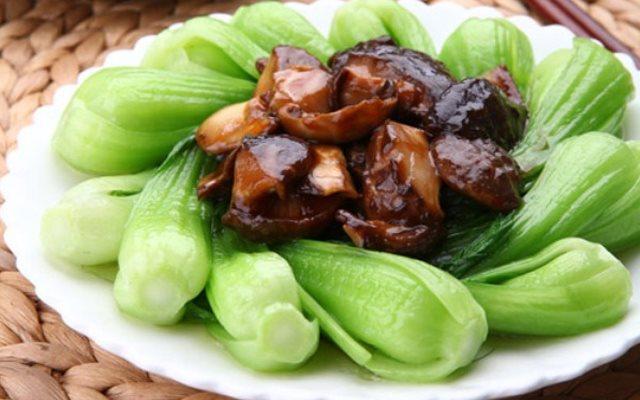 Nấm hương xào rau cải - một đáp án cho câu hỏi thoái hóa khớp gối nên ăn gì