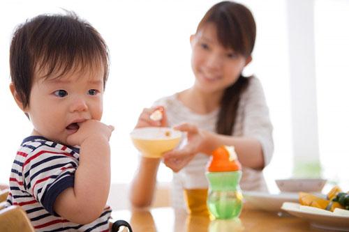 Bé bị tiêu chảy rất dễ dẫn tới suy dinh dưỡng