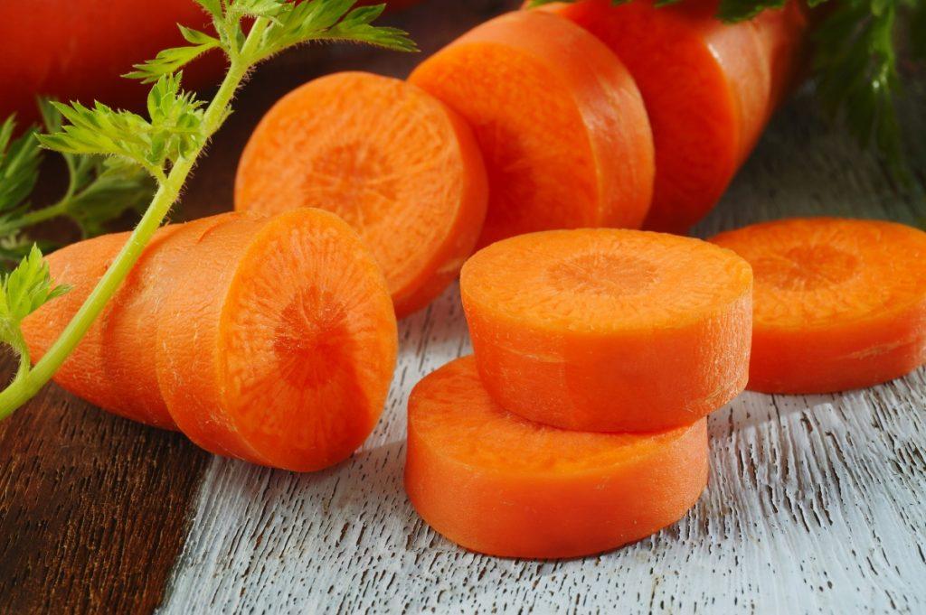 Ăn gì để sữa mẹ đặc và thơm- Cà rốt chính là một thực phẩm vàng