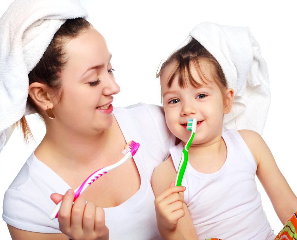 Vệ sinh răng miệng là một cách chữa nhiệt miệng hiệu quả