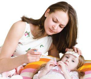 hạ sốt cho trẻ viêm họng
