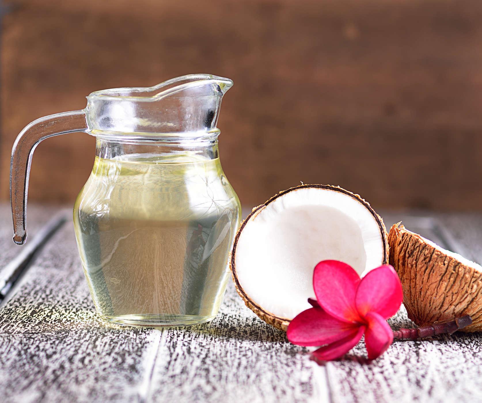 Dưỡng ẩm da mùa đông bằng dầu dừa