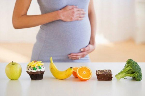Bà bầu ăn gì trong 3 tháng đầu