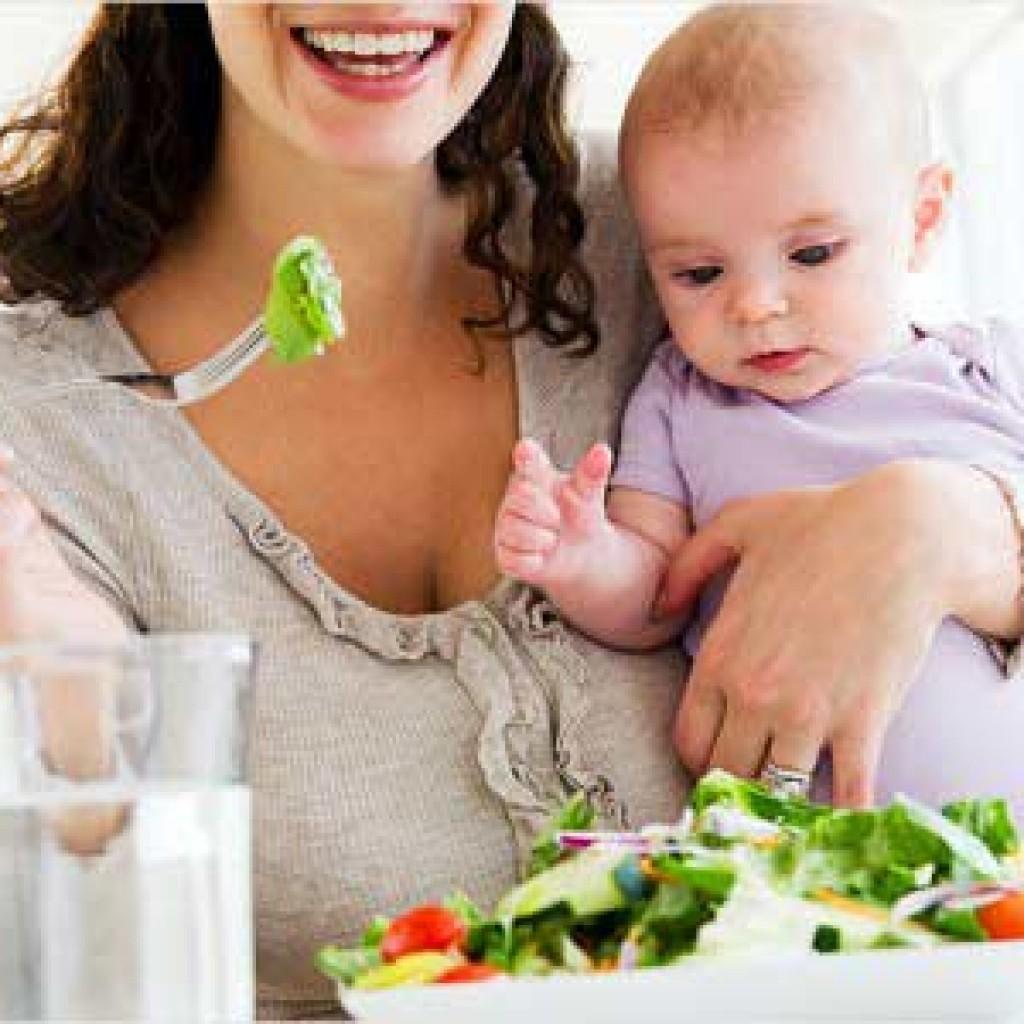 Dinh dưỡng và sinh hoạt hợp lý là cách phòng ngừa rong kinh ở phụ nữ sau sinh