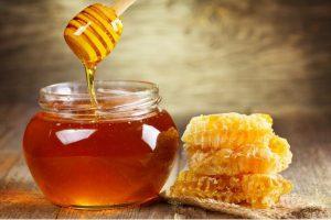 Khám phá 5 cách trị mụn cám hiệu quả bằng mật ong
