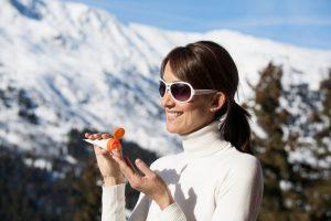 Mùa đông có cần dùng kem chống nắng?