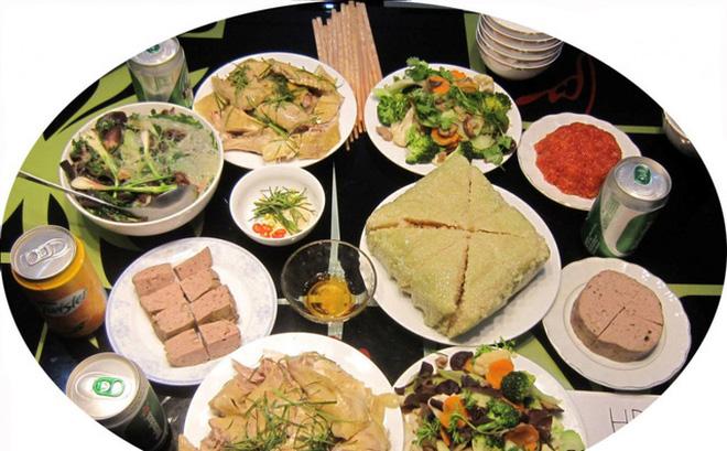Thói quen ăn uống ngày tết tiềm ẩn nguy cơ về sức khỏe