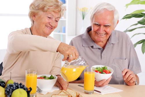 Chế độ ăn uống cho người bị tai biến mạch máu não