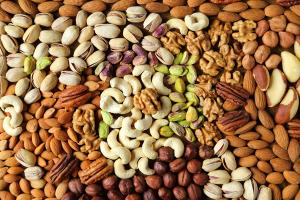 Các loại hạt chứa nhiều thành phần tốt cho sức khỏe nói chung, cũng như làn da nói riêng (nguồn: internet)