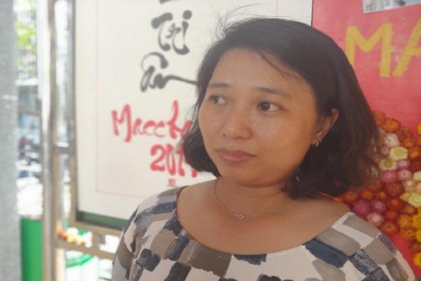 Chị Xuân chia sẻ vè câu chuyện của gia đình tại lễ tri ân Macchabée, diễn ra tại ĐH Y dược TP. HCM