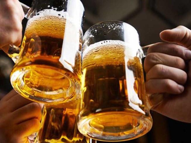 Người thiếu máu não nên kiêng rượu bia (Nguồn: Internet)