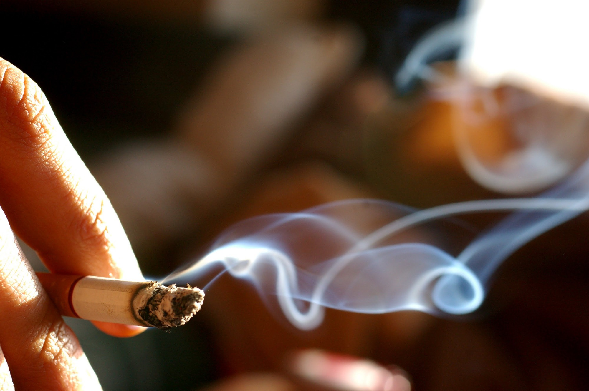 Trong thuốc lá có chứa hơn 60 chất độc có thể gây ung thư phổi